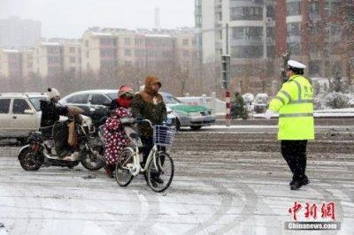 """""""最强降雪""""覆盖大半个中国 大雪刚刚停止新一轮就要到来"""