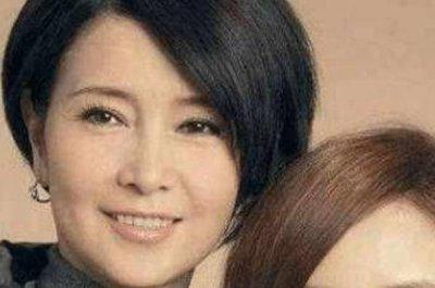 李小璐妈妈为女澄清:玩一夜放松下而已 网友们却根本不相信