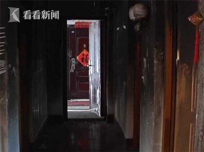 残疾男爬三楼砸窗救人 关键时刻不顾自身危险将人安全救出