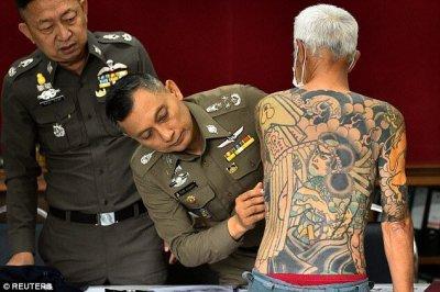 日本黑帮老大被抓 因身上纹身密密麻麻被警方发现
