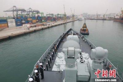 中国海军访摩洛哥 华人华侨到场欢迎获邀上战舰参观