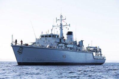 """英国派""""塑料船""""拦截俄罗斯潜艇 外界质疑不太合适"""
