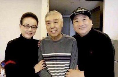 姜昆侯耀华探望师胜杰 满脸病容令粉丝们担心