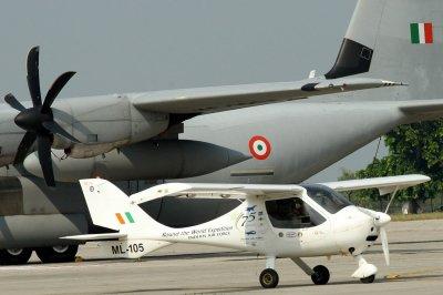 印度空军飞机坠毁 事故频繁军官这样说引热议