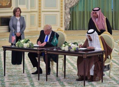 美国沙特敲定军售 美国向沙特出售军火装备真的只是表面上的军售