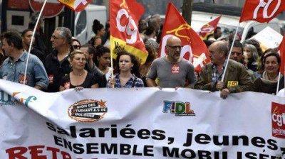 法国铁路大罢工 法国铁路大罢工目前以造成法国铁路大面积瘫痪