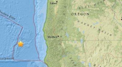 北京时间7月24日20时16分左右美国俄勒冈州西南部附近海域发生5级地震