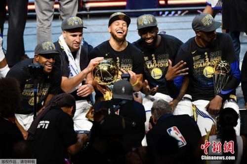 NBA金州勇士队公布季前赛赛程 将两战湖人