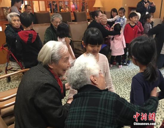 全国60周岁及以上老人口逾2.4亿 65周岁及以上老年人口逾1.58亿