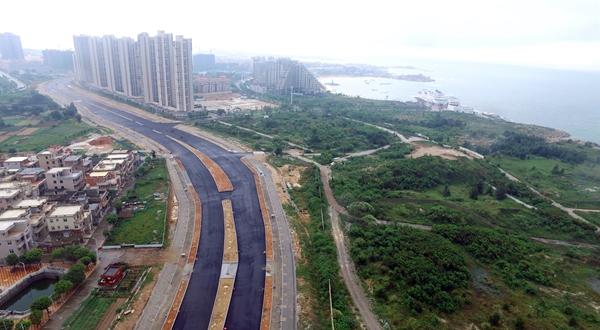 石狮红塔湾旅游公路主车道力争9月底铺面层沥青
