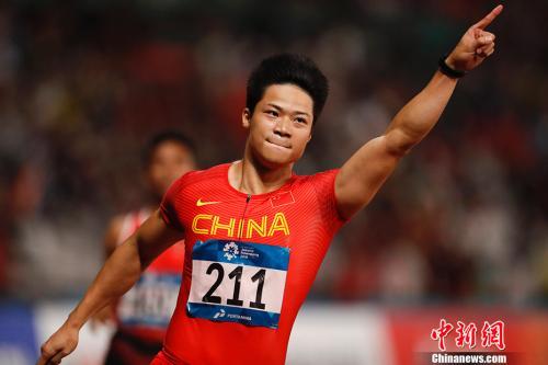 2018年国际田联洲际杯男子100米决赛中苏炳添跑出10秒03屈居亚军