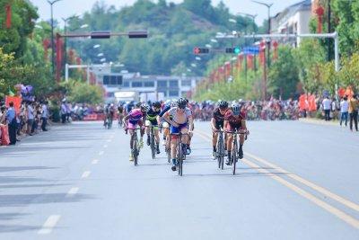 2018第九届环鄱阳湖国际自行车大赛9月12日在横峰首站正式开赛