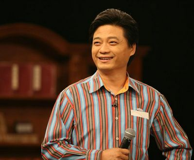 慈善公益名人铁腿哥力挺崔永元:我敬你是条汉子