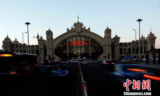 """中国东北端高铁""""节点""""牡丹江新站竣工"""