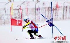 2019中国高山滑雪三人接力赛在湖北五峰开赛 1000多人参赛