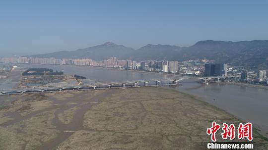 图为,福州市三江口大桥 杨文静 摄