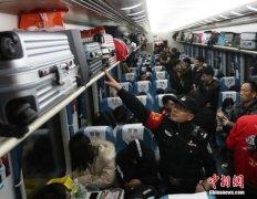 全国铁路春运累计发送旅客突破3亿人次 达到3.1亿人次