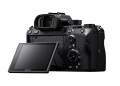 索尼全画幅微单A9 索尼A9搭配索尼G大师镜头SEL400F28GM 为你展现速度与激情的精彩