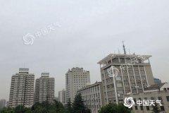 今天白天北京大部地区会有小阵雨 明天有雷雨天气