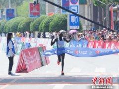 吉林国际马拉松鸣枪 巴林选手获女子组全程冠军