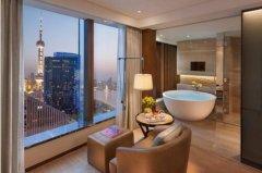上海浦东文华东方酒店携小猪佩奇玩趣世界打造一站式亲子旅居攻略