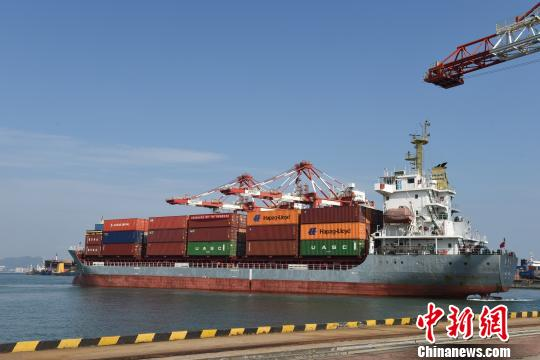 自山东省港口一体化改革发展以来,威海港发展全面提速。 钟欣 摄
