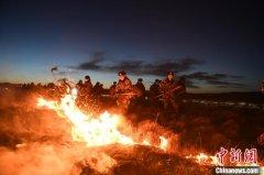 四川红原草原大火明火已扑灭 过火面积大约4000余亩
